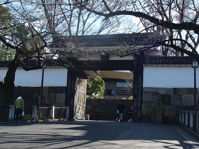 田安門 - 現在は北の丸公園の入...