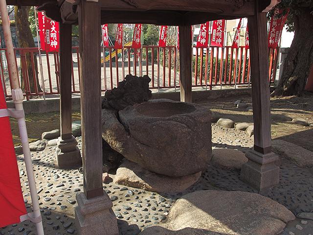 石稲荷神社写真