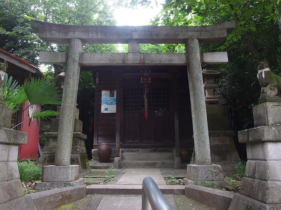 瀧山稲荷社