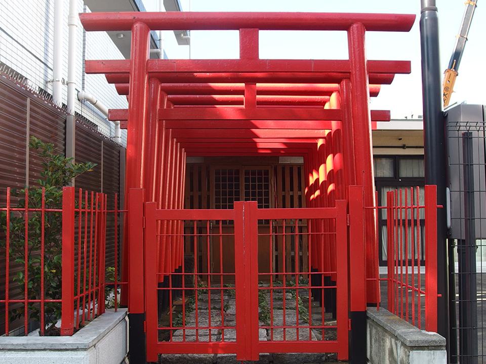 埋地豊川稲荷神社