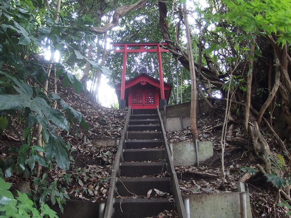 稲荷社(横浜市青葉区元石川町)