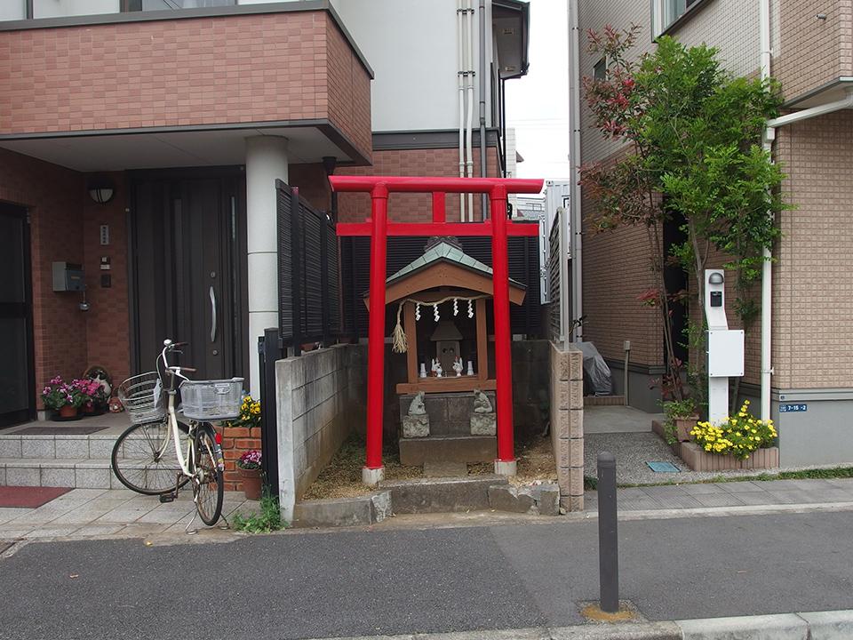 稲荷社(川崎市中原区下小田中)