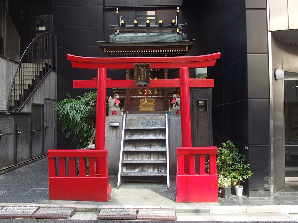 槇三伏見稲荷神社