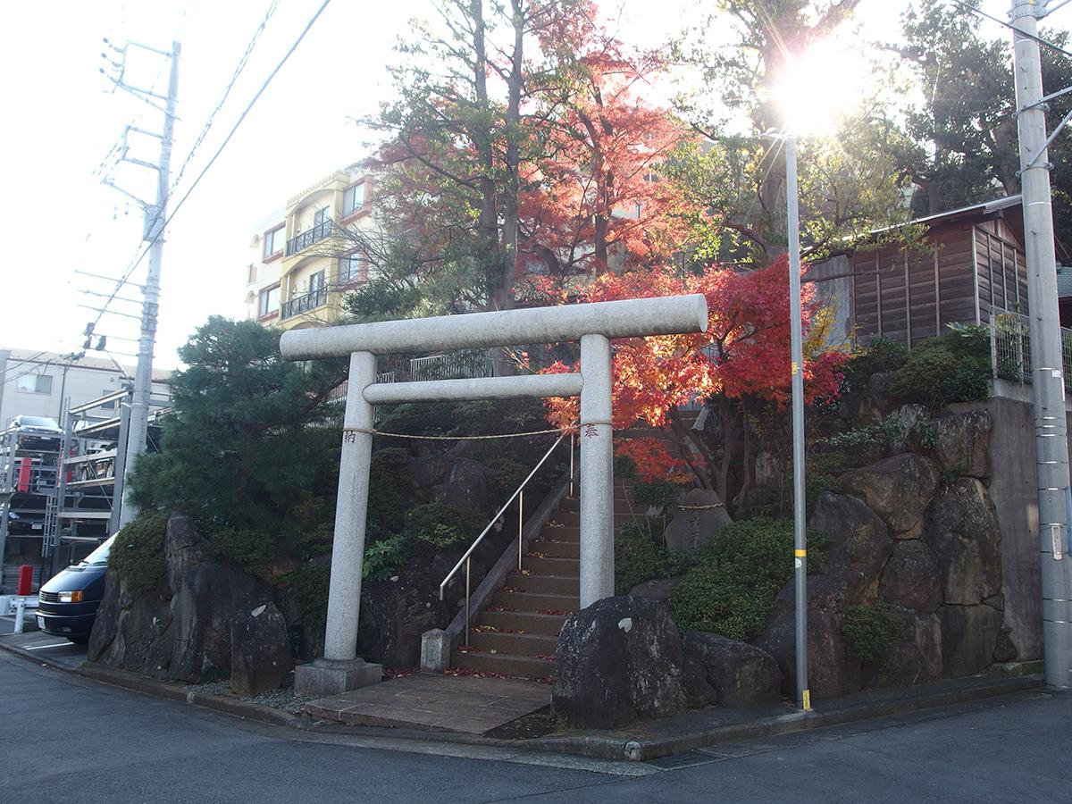 第六天社(横浜市鶴見区上の宮)
