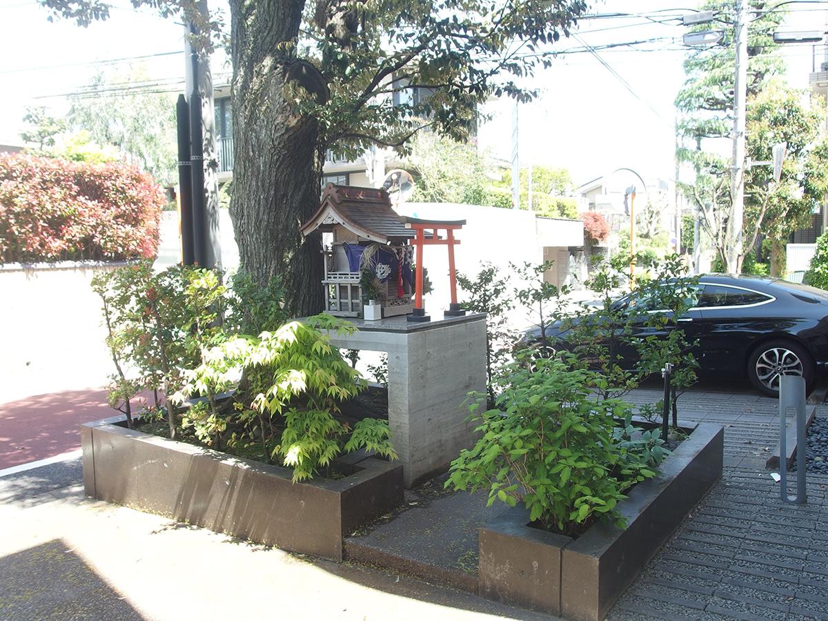 稲荷神社(世田谷区代沢3)