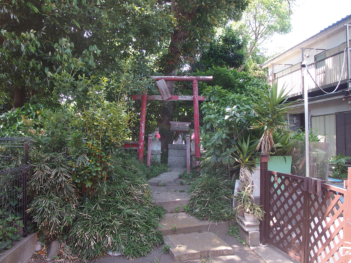 稲荷大社(横浜市中区本郷町3)