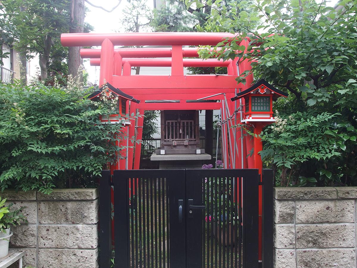 剣徳稲荷大明神(横浜市中区山元町)