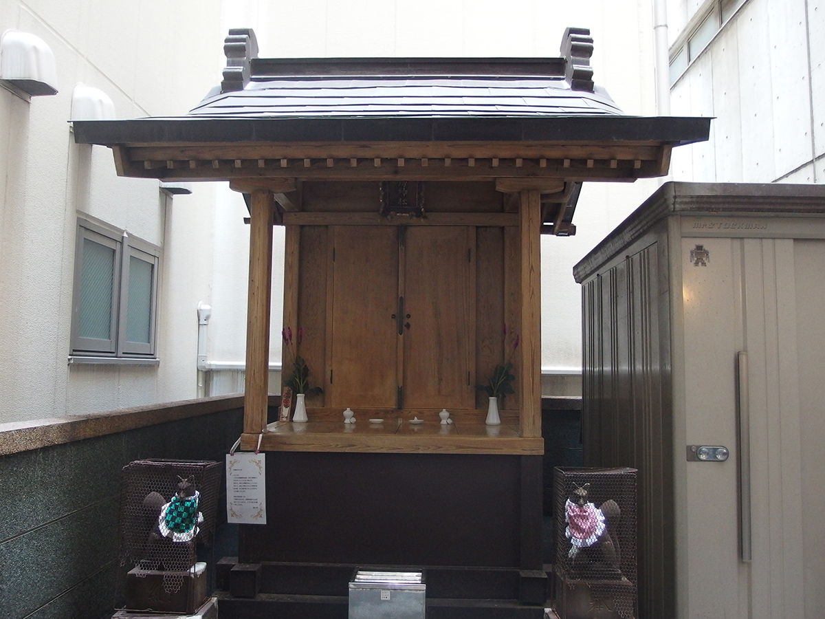 花房稲荷神社(千代田区外神田)