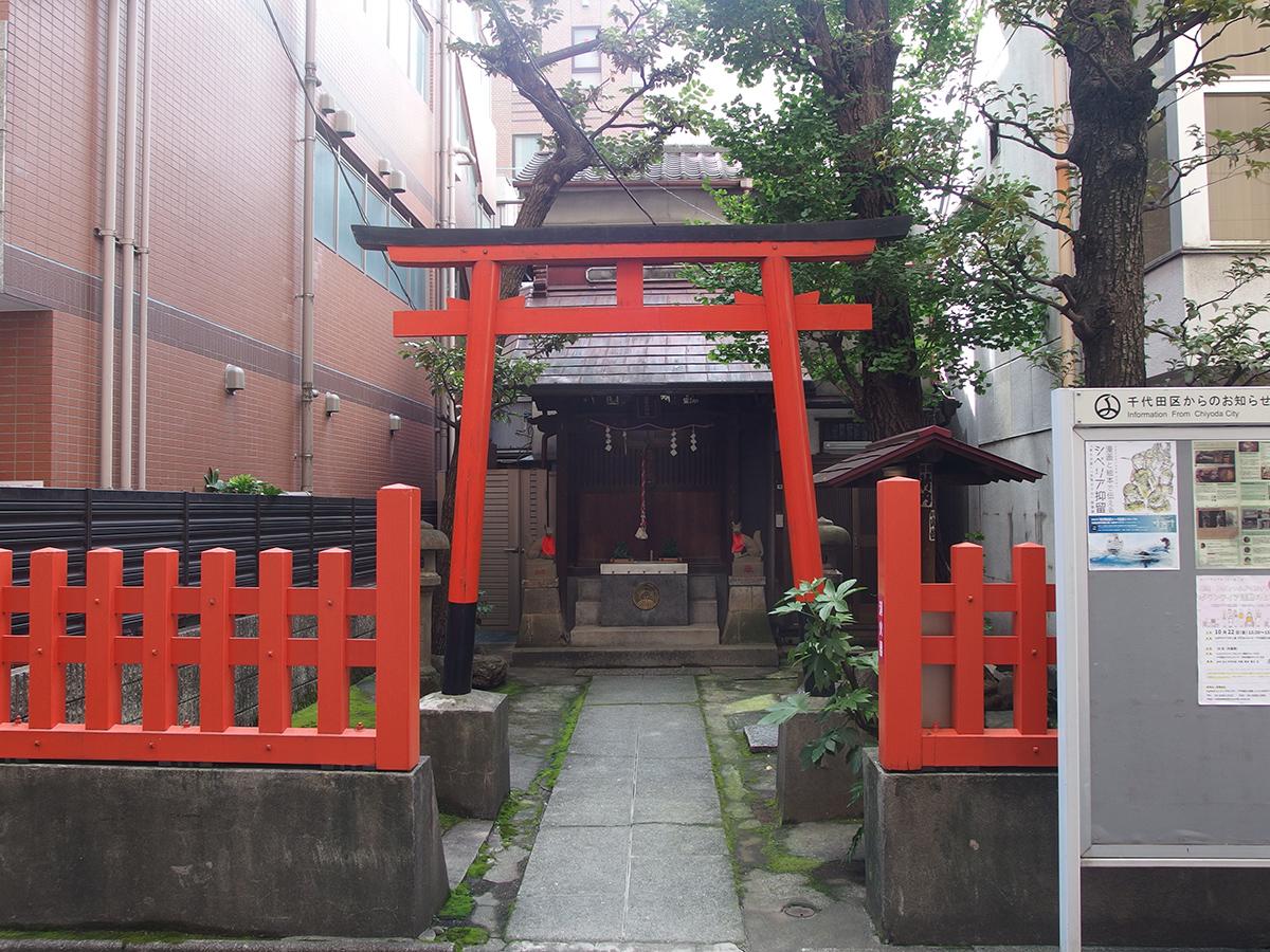 出世稲荷神社(千代田区神田須田町)